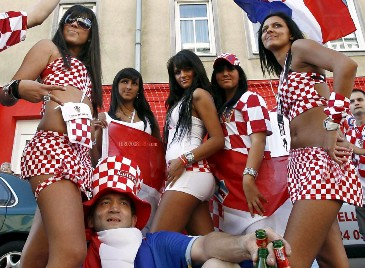 51971_croatian_girls_euro_2008_123_249lo.jpg